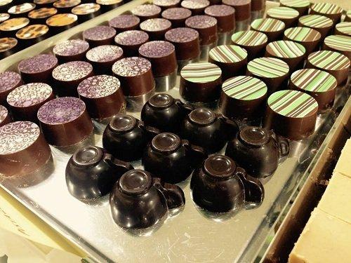 vassoi di cioccolatini assortiti