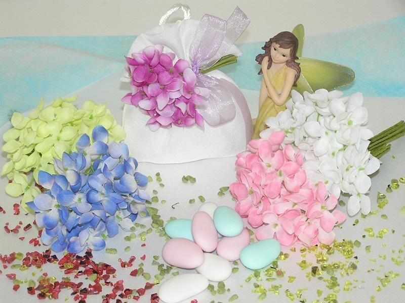 Petali artificiali colorati