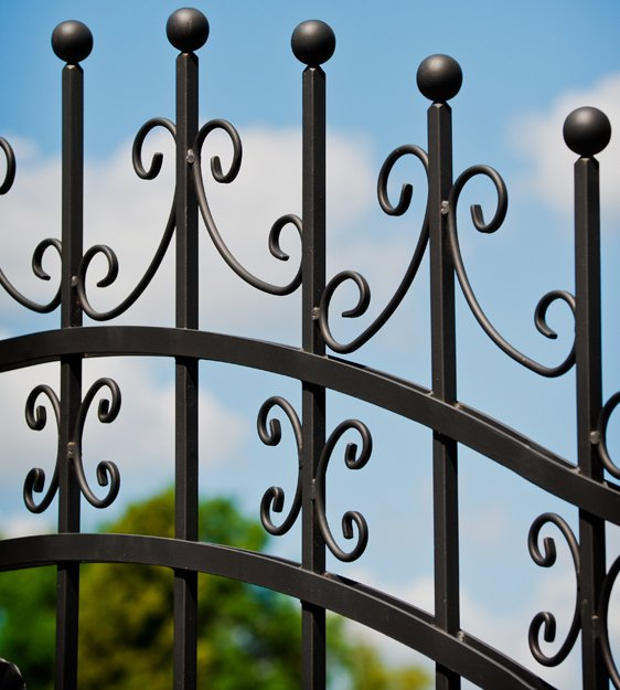 metal gate design