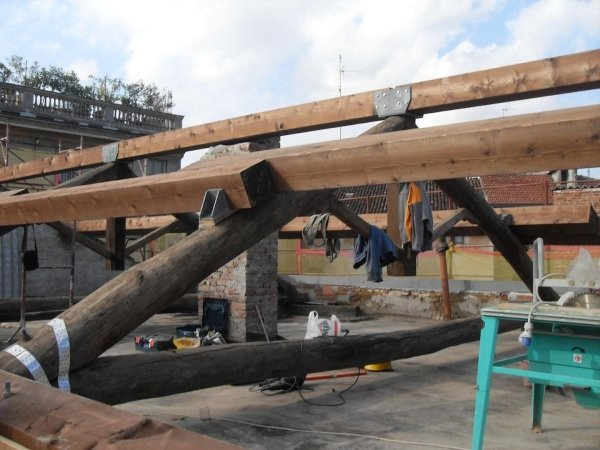 positioning new beams and new fastenings