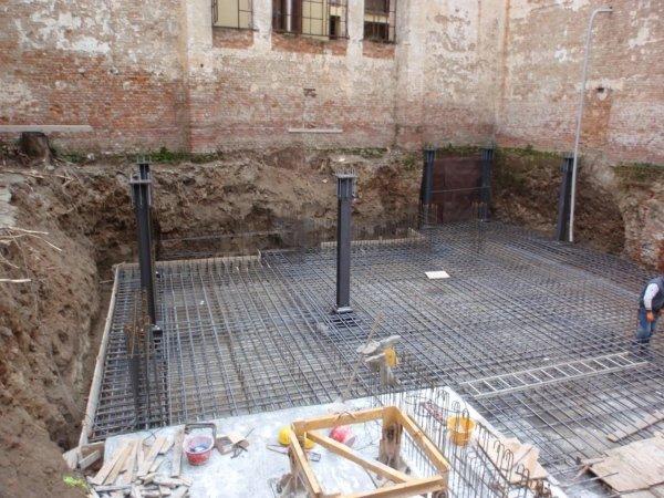 Laying of foundation slab rebar phase 1