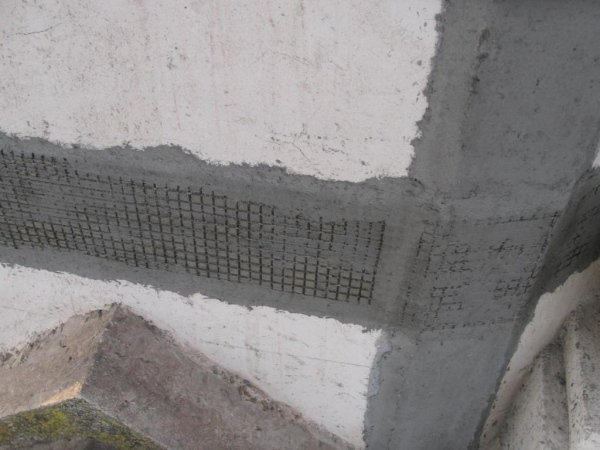 FRCM system in PBO fibre mesh applied to the perimeter at the base of the dome