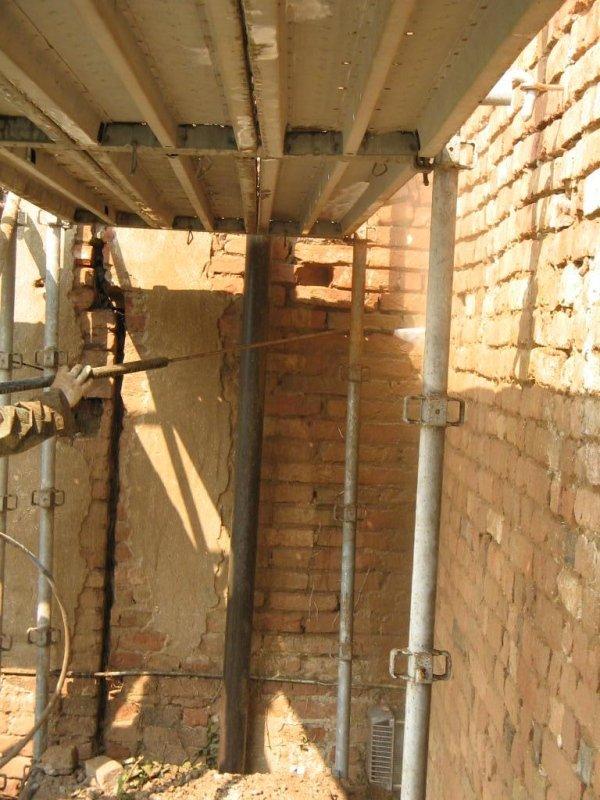 pulizia muratura con idropulitrice