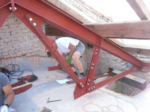 installing new metal truss