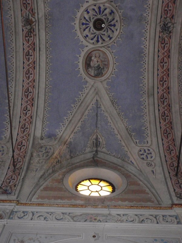 internal lesion on the east side of the nave
