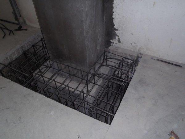 Collegamento tra pilastro e pavimento industriale: armatura per rinforzo colletto plinto