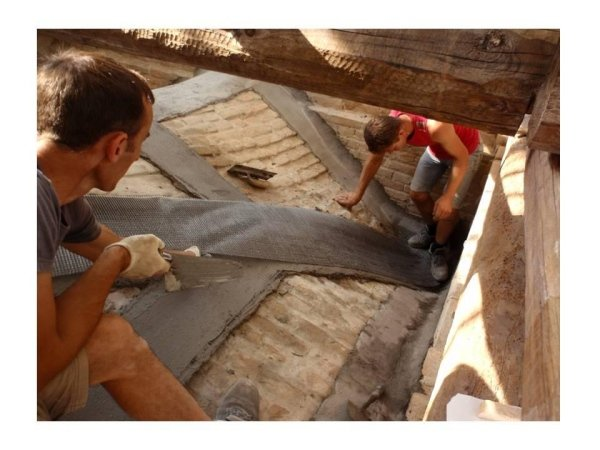 installing PBO fibres for consolidation of a vault with the FRCM system