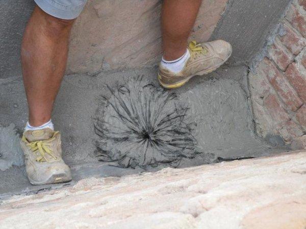 realizzazione di connettori XJoint per collegamento fibre di rinforzo alla muratura