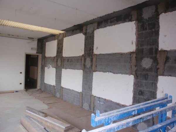 Intervento antiribaltamento muratura interna: particolare collegamento fibre di rinforzo con XJoint