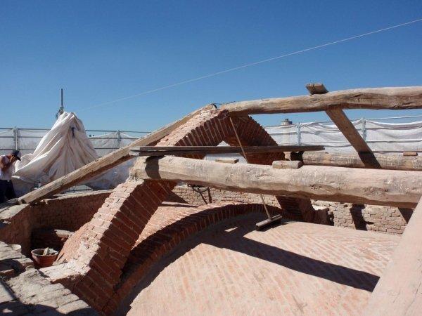 I stralcio lavori: copertura abside - pulizia estradosso volta e archi