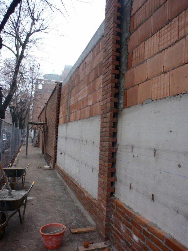 Retaining wall along Via San Francesco