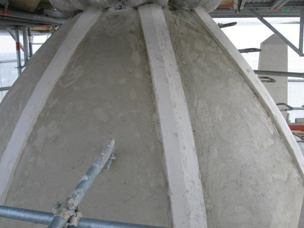ripristino intonaco sulla cupola e costoloni dopo applicazione delle fibre di rinforzo