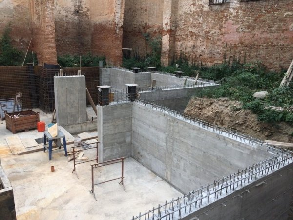 View of foundation slab rebar phase 2 with positioning of metal profiles