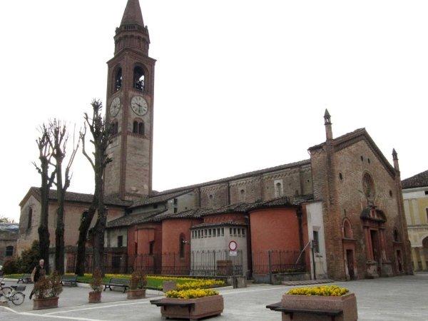 Chiesa di San Bassiano - Pizzighettone (CR) Progetto di monitoraggio e consolidamento strutturale. In collaborazione con Politecnico di Milano-Dipartimento Ingegneria Strutturale-Prof. Cardani