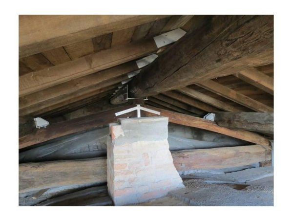 detail of existing reinforced truss, ridge beam support and purlins, joists