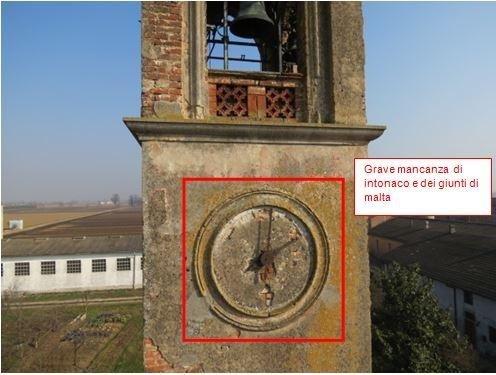 Particolare orologio campanile