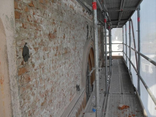 II stralcio lavori: rimozione intonaco facciata