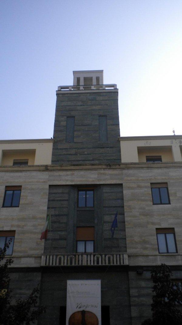Vista torretta da Piazza Stradivari