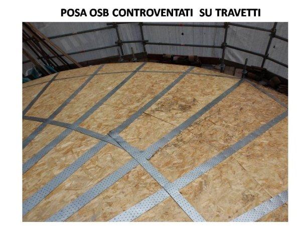 zona abside: pannelli OSB posati sui travetti e controventati