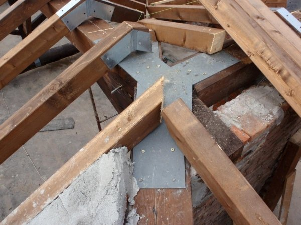 joist fasteners and jointing large frame elements