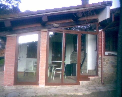 struttura abitativa in ferro battuto