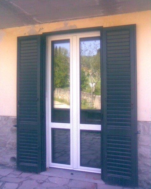 finestra e persiana in alluminio