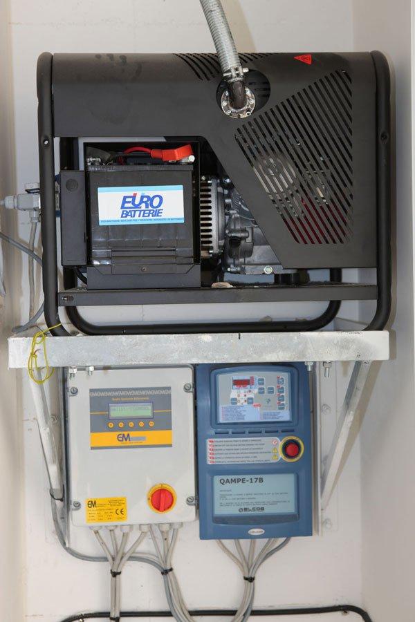 un dispositivo elettronico con un'antenna con scritto Eurobatterie