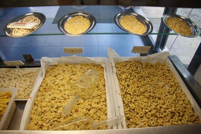 produzione pasta fresca ripiena, produzione pastasfoglia per lasagne, produzioje ravioli, produzione tortellini freschi, produzione agnolotti freschi, lasagna pronte a cuocere, Rieti