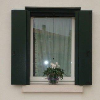 Falegnameria Crema finestre in legno