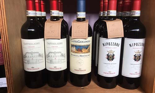 Bottiglie di vino del marchio Frescobaldi