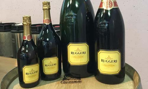 Vista di bottiglie del marchio Ruggeri