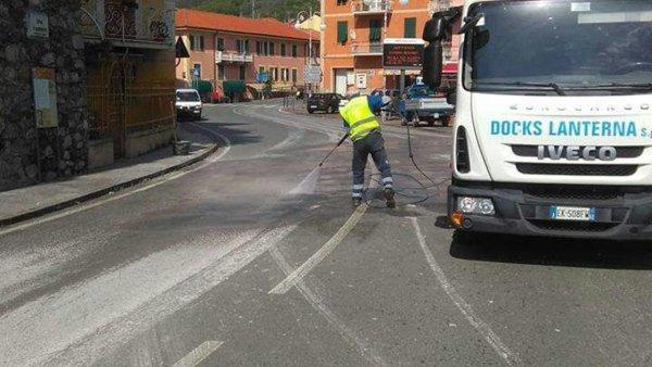 servizio pulizia con operatori a terra