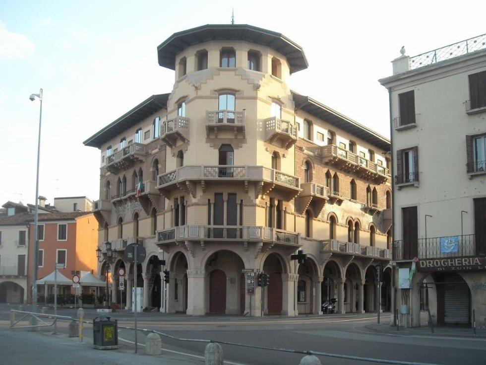 Palazzo sacerdoti