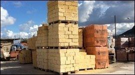 vendita bancali di materiale edile
