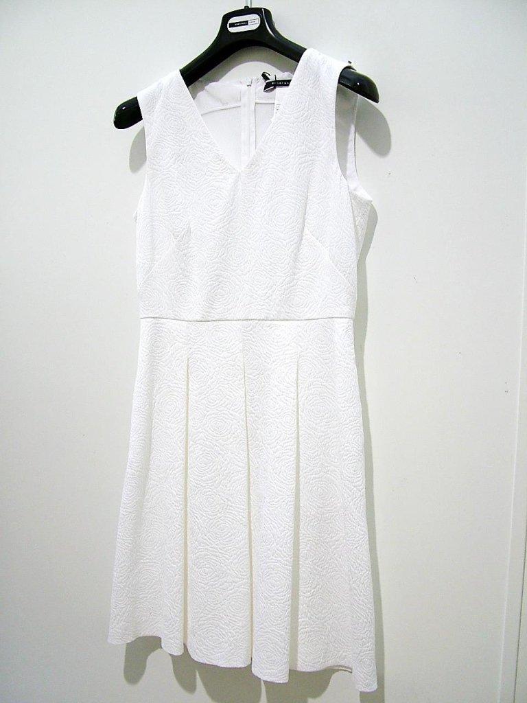 vestito bianco con spalline