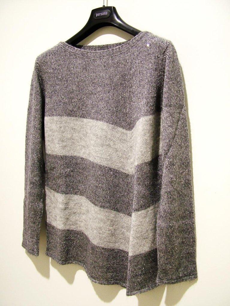 maglia grigia a righe