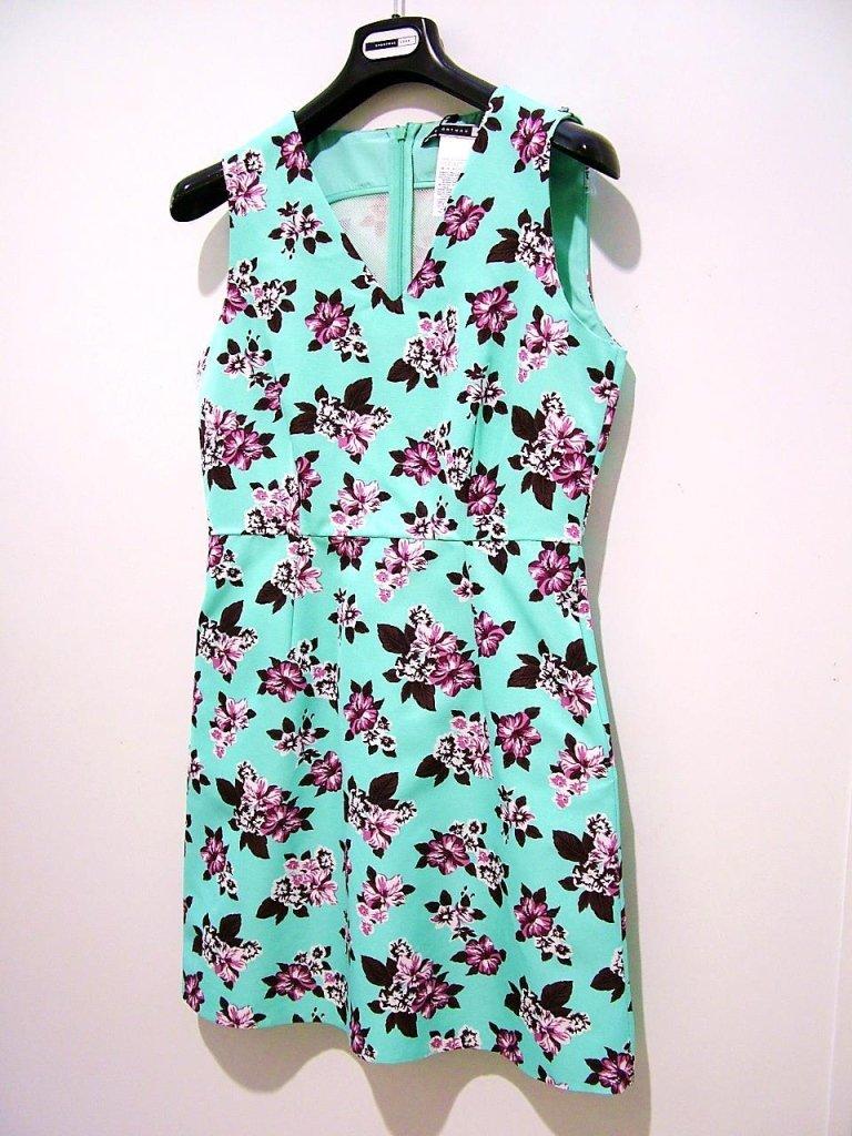 vestito verde a fiori con spalline