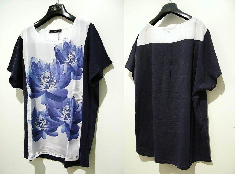 t-shirt blu a fiori