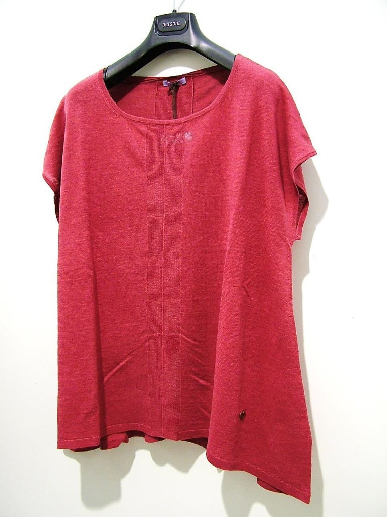 maglia rossa asimmetrica