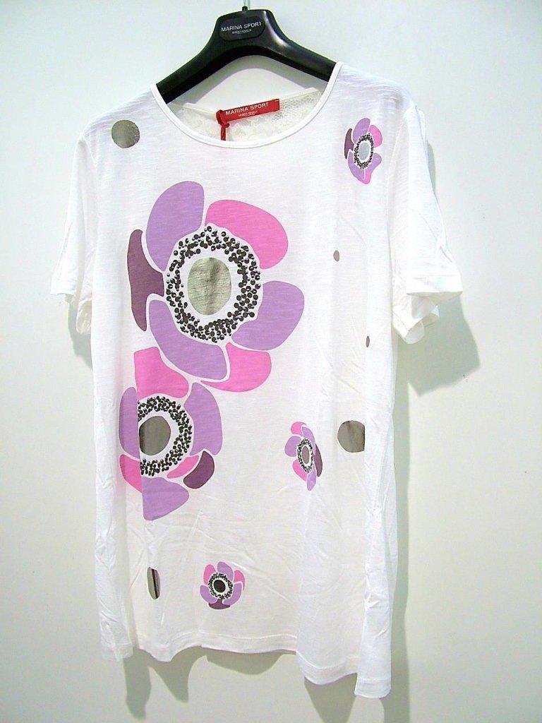 maglia bianca con fiore rosa