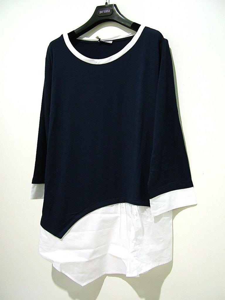 maglia blu con risvolti bianchi