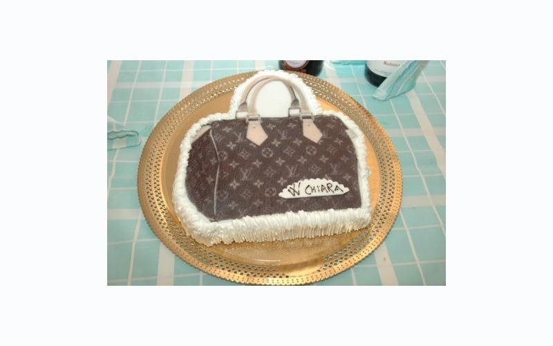 torta compleanno LV
