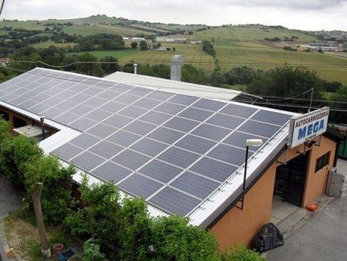 struttura con pannelli solari
