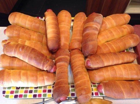 panino con wurstel, piadine, roll con wurstel