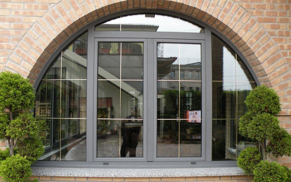 Porta di ingresso in ferro battuto e vetro