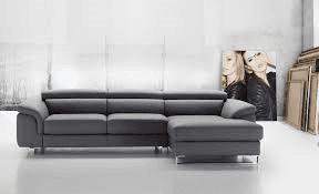 Penisola mod. BRAZIL con bracciolo reclinabile e seduta trapuntata