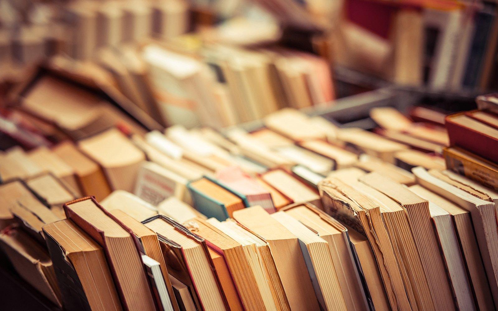 Collezione di libri vecchi