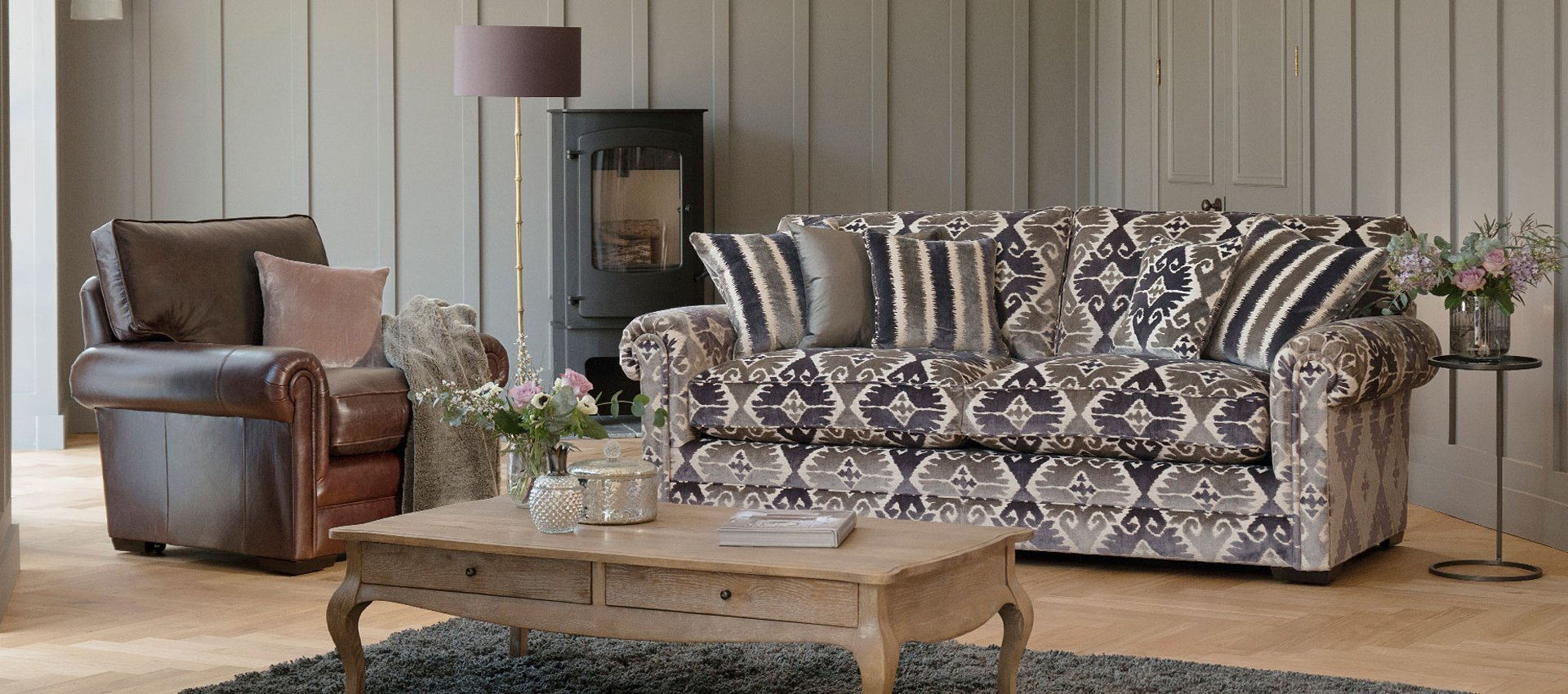 2+1 seater sofa and centre table