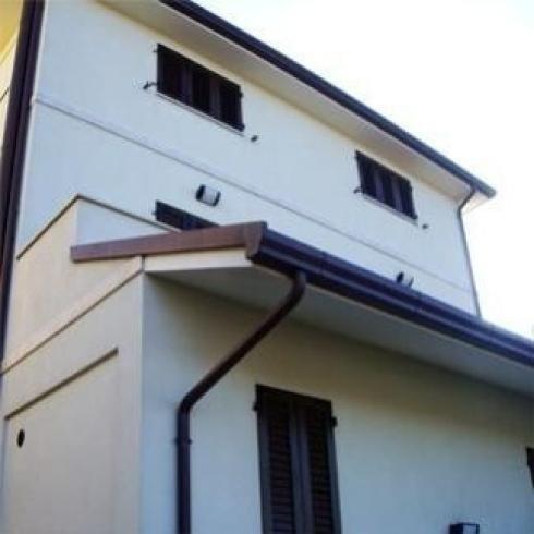 Lattoneria per tettoie