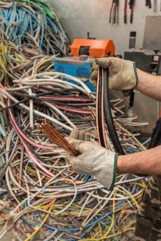 recupero cavi elettrici, smaltimento rifiuti, noleggio cassettoni